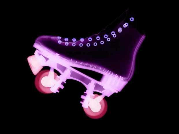-roller-skate-roller-skates-21995270-1024-768