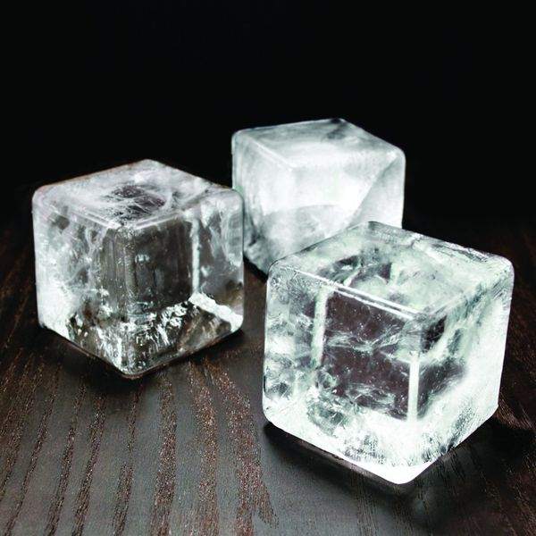colossal-ice-cube-mold